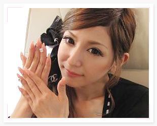 モデル、タレント 仲村美香ちゃんネイル